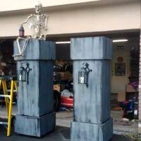 Leering Skeleton Columns
